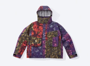 Supreme x SOUTH2 WEST8 Jacke